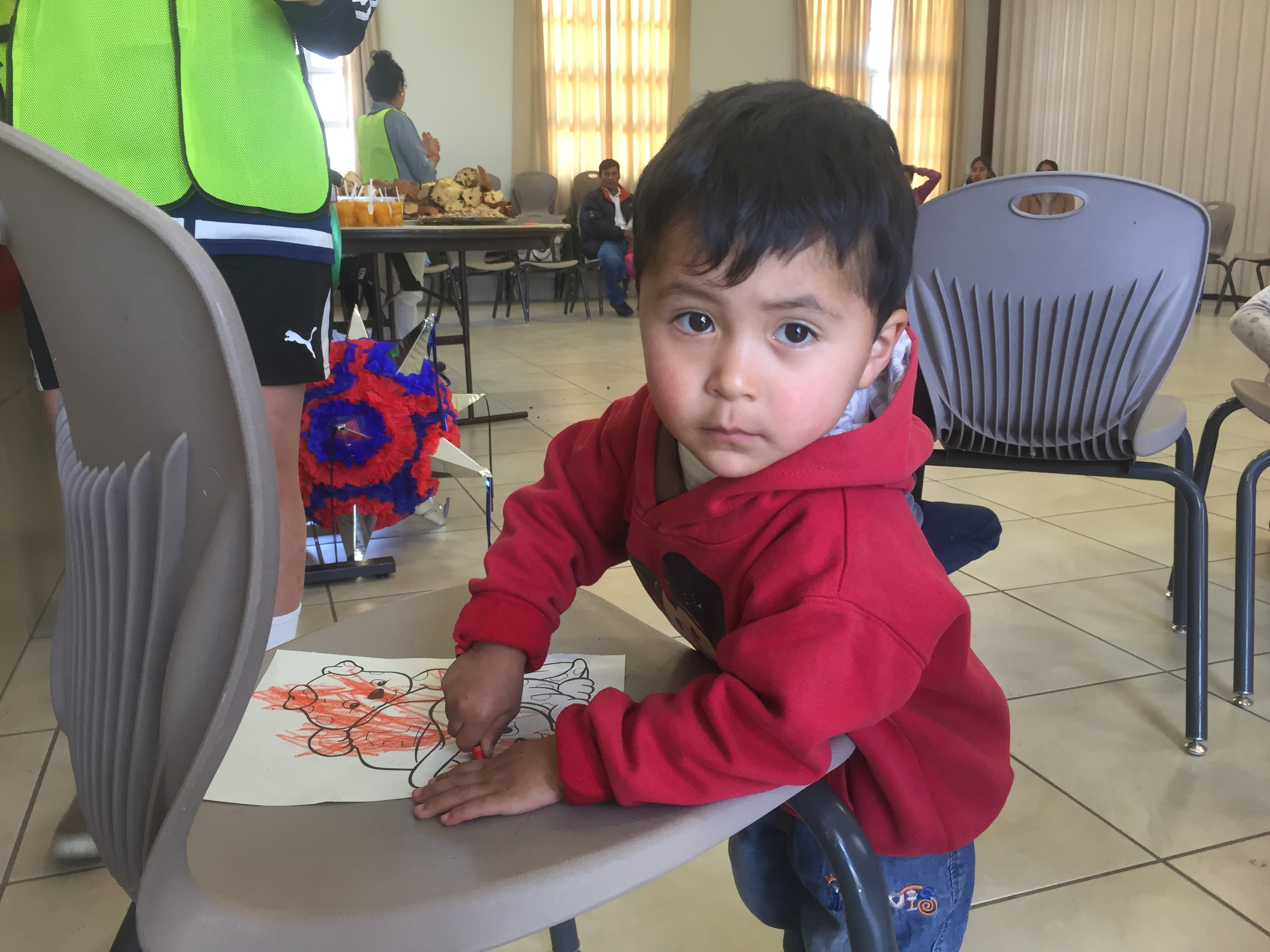 Cusco-Christmas-party-little-boy-coloring