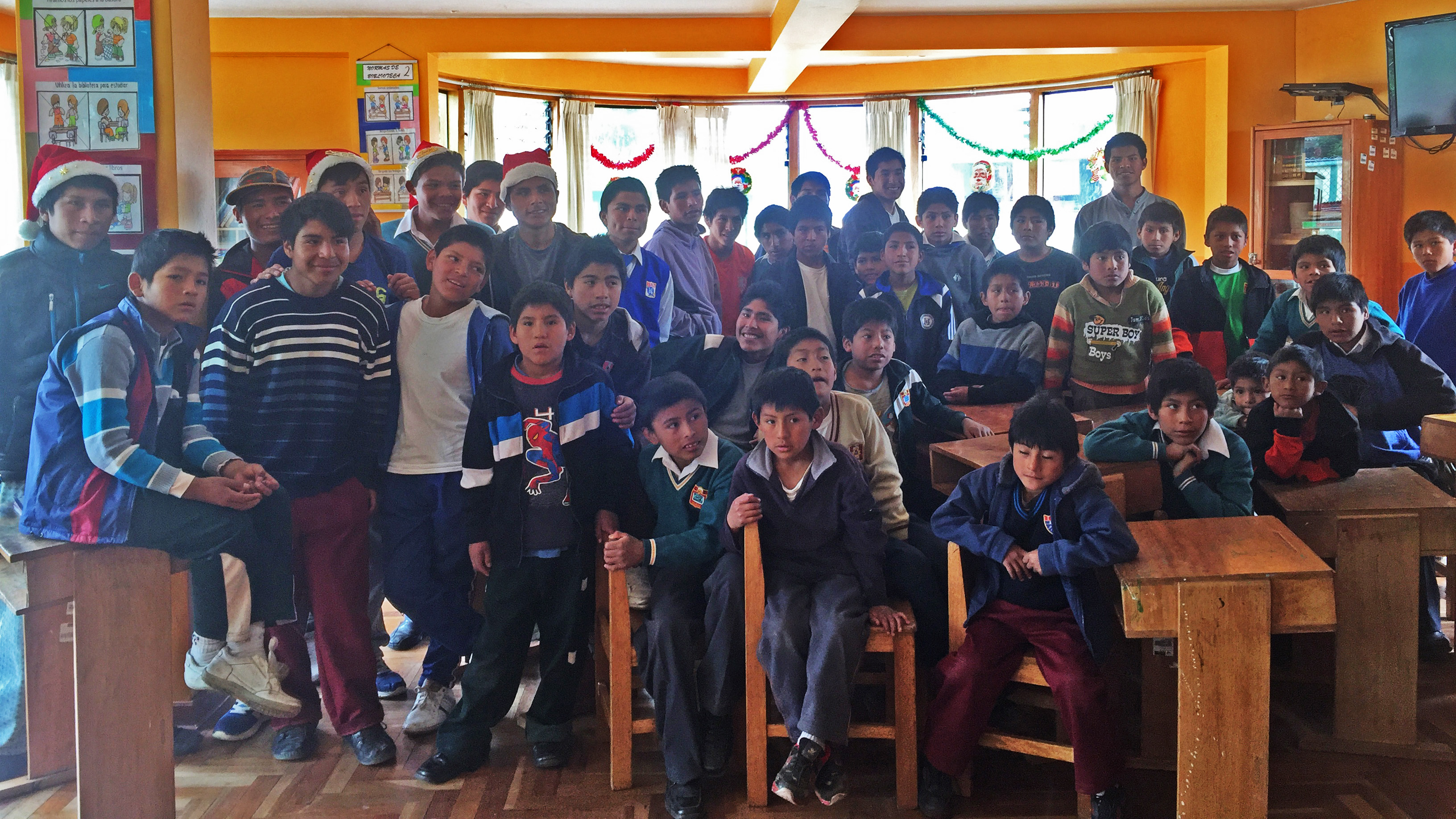 Cusco-orphanage-group-photo-cropped