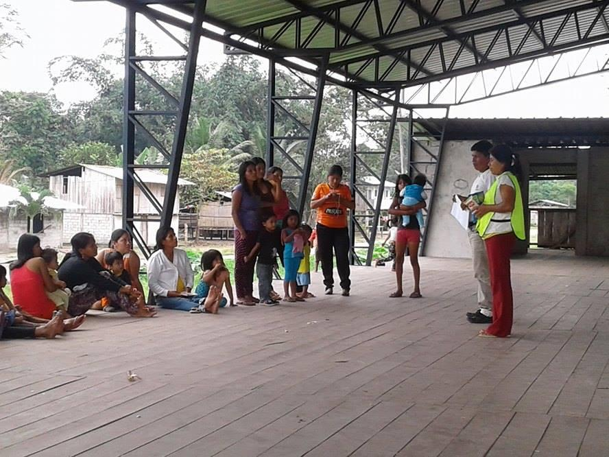Guayacana-9-2016-recipients-receiving-instructions