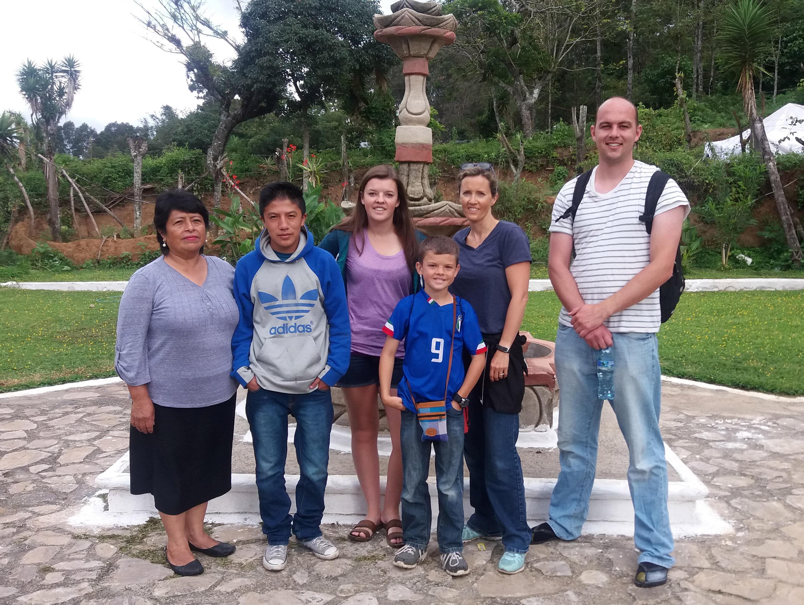 Nutritour-Guatemala-2016-2-with-Gloria-Rosales-cropped