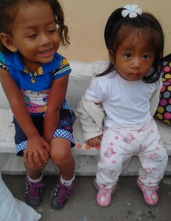 Machala-2015-little-girls