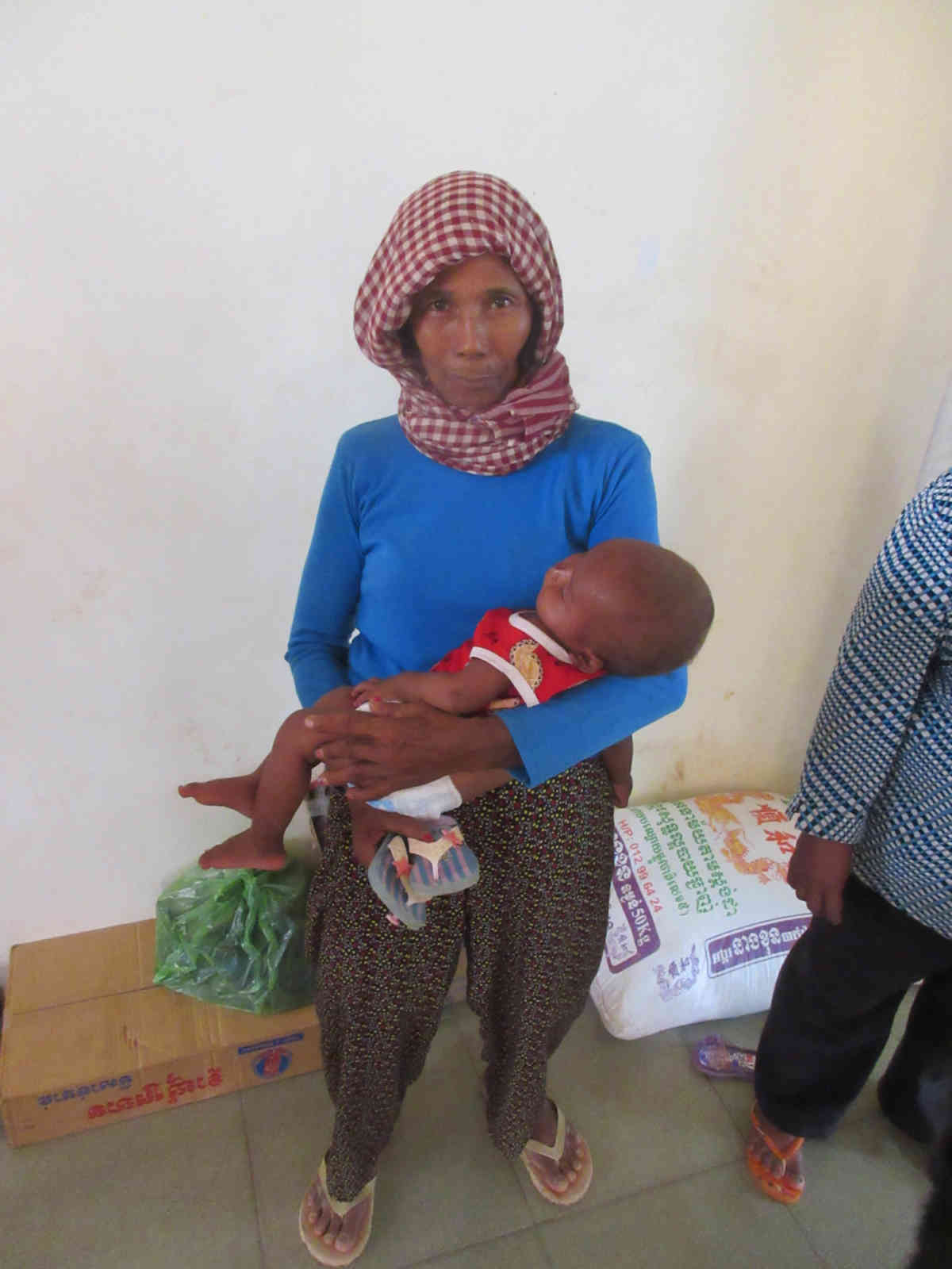 Sen Sok Mother And Child Inside 7 5 2015