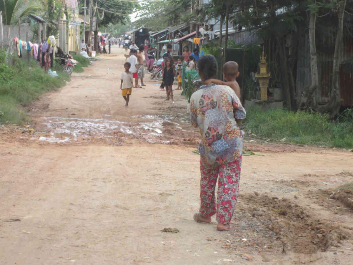 Sen Sok Woman On The Street 9 2014