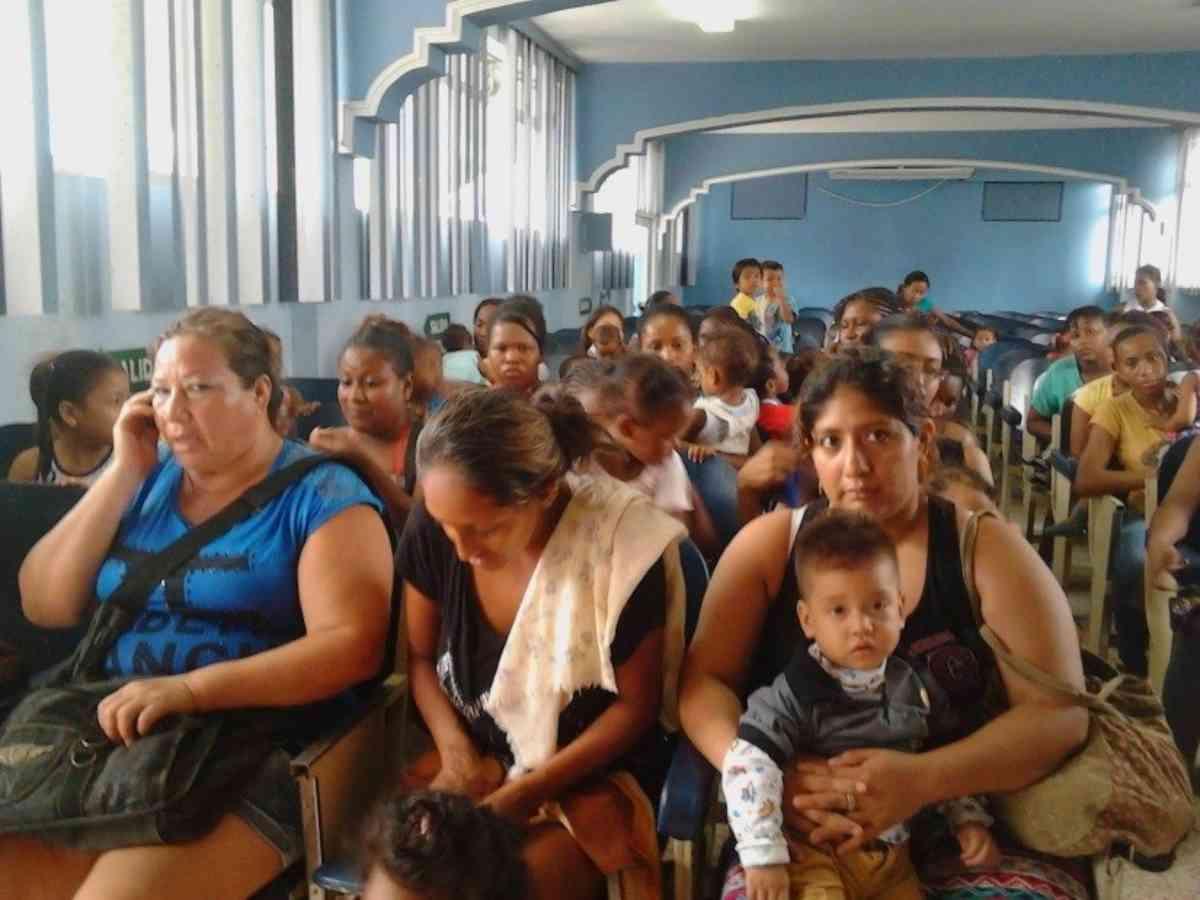 Machala 12 2015 Waiting In Chapel For Rescreening